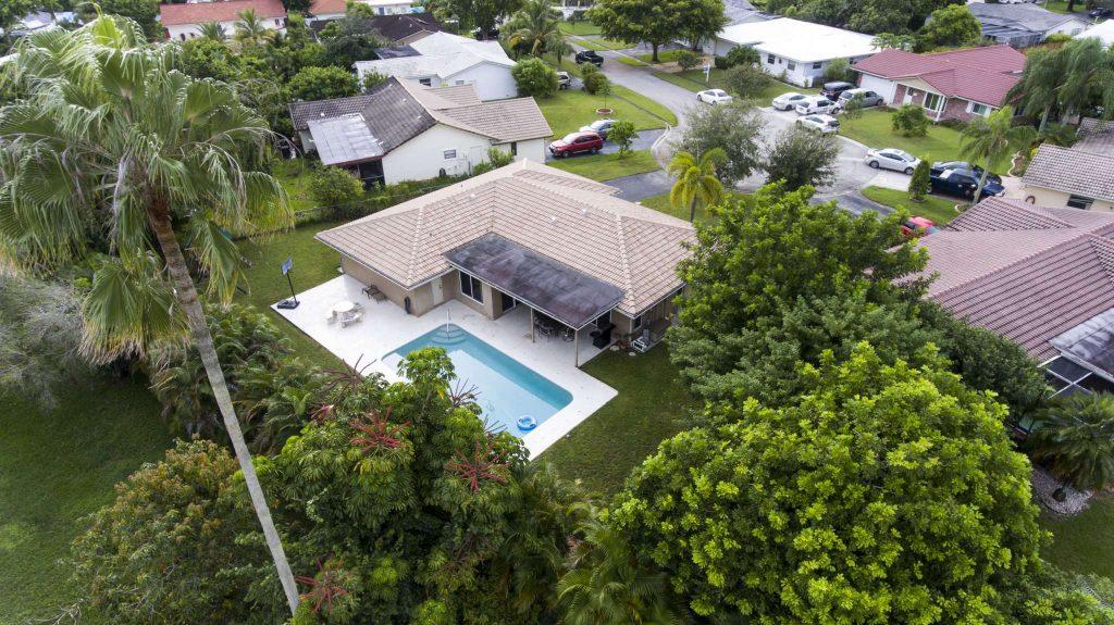 Buy home in Coral Springs