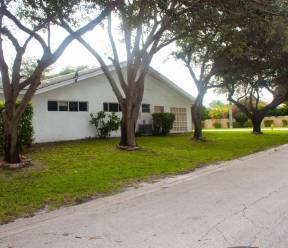 Home for Sale in Coral Springs at 8120 NW 40th Street